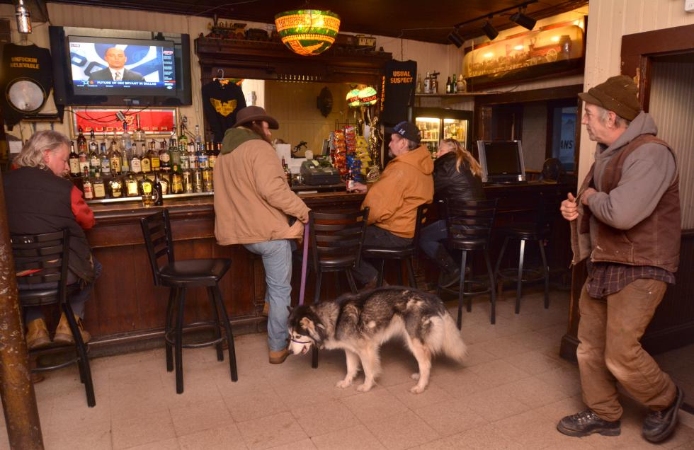 JERREY ROBERTS The Hot L is a dog friendly bar. - JERREY ROBERTS | DAILY HAMPSHIRE GAZETTE