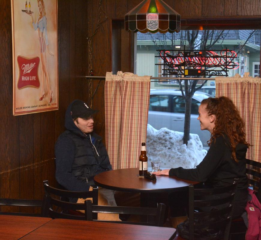 JERREY ROBERTS Nicolas Rogers and Michelle Spencer, both of Easthampton, at Ye Ol' Watering Hole in Northampton. - JERREY ROBERTS | DAILY HAMPSHIRE GAZETTE