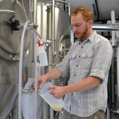 The Beerhunter: Brick & Feather Brewery in Turners Falls