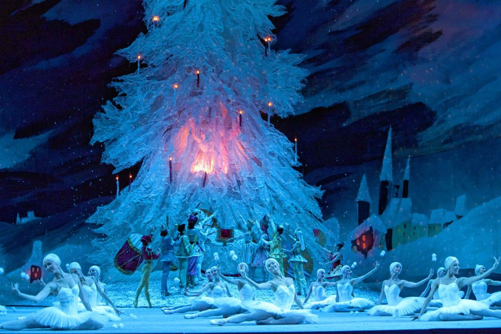 'Nutcracker' Brings Holiday Magic to Stage