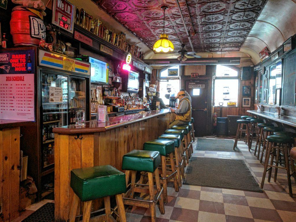 Our favorite dive bars part ii arkham city line cabot for Bar dive