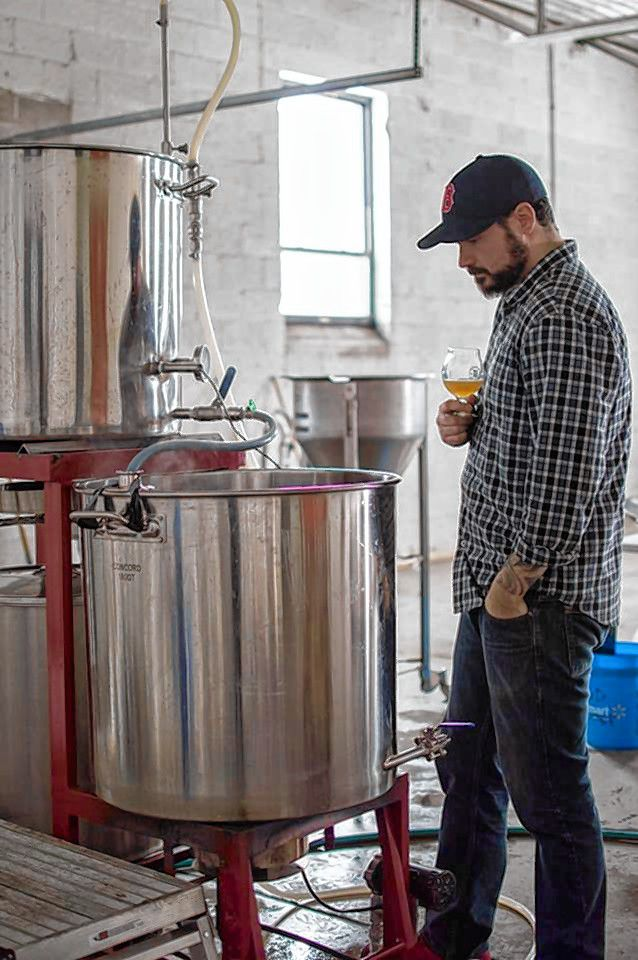 Mark Avery brews his Coffee Break maple coffee stout. Photo by Liz DeSousa.