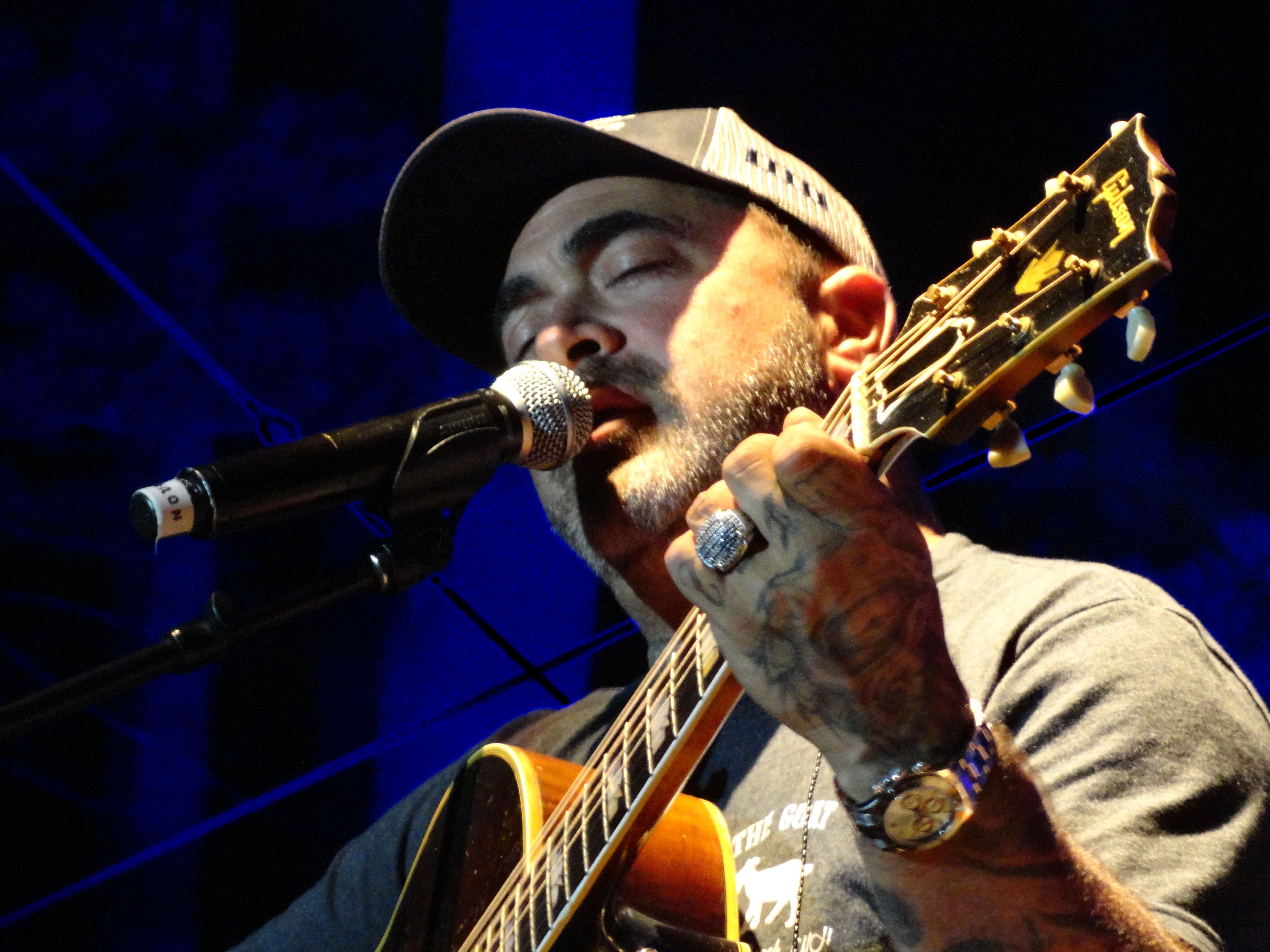 Valley Show Girl: A Jam Session in the Forest With Staind Singer Aaron Lewis