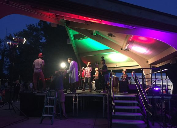 Valley Show Girl: Millpond.live Hosts Music Under the Stars