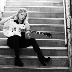 Pick of the Day 2/18: Liz Longley at Iron Horse