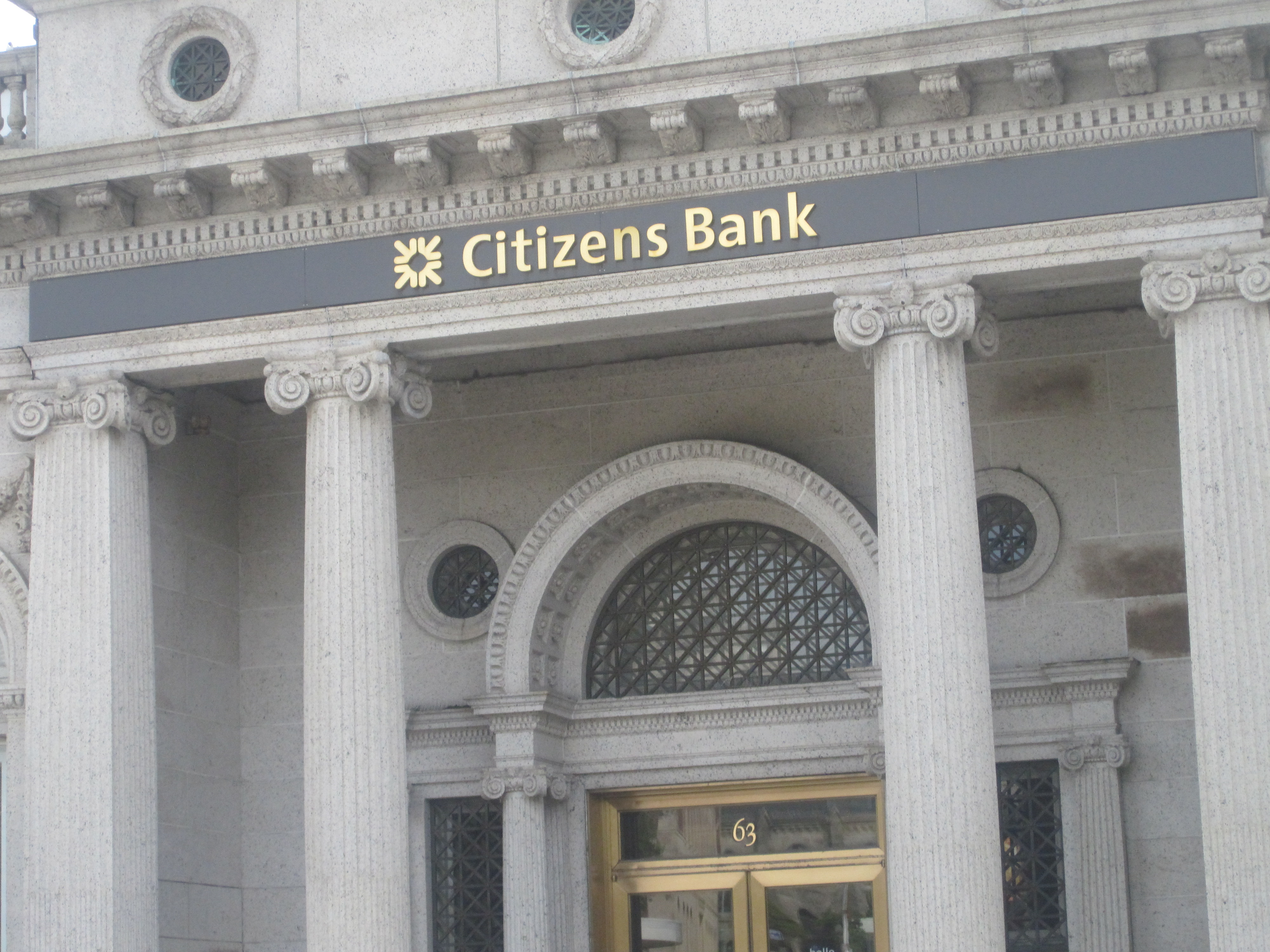 Bank bails on Mass cannabis businesses