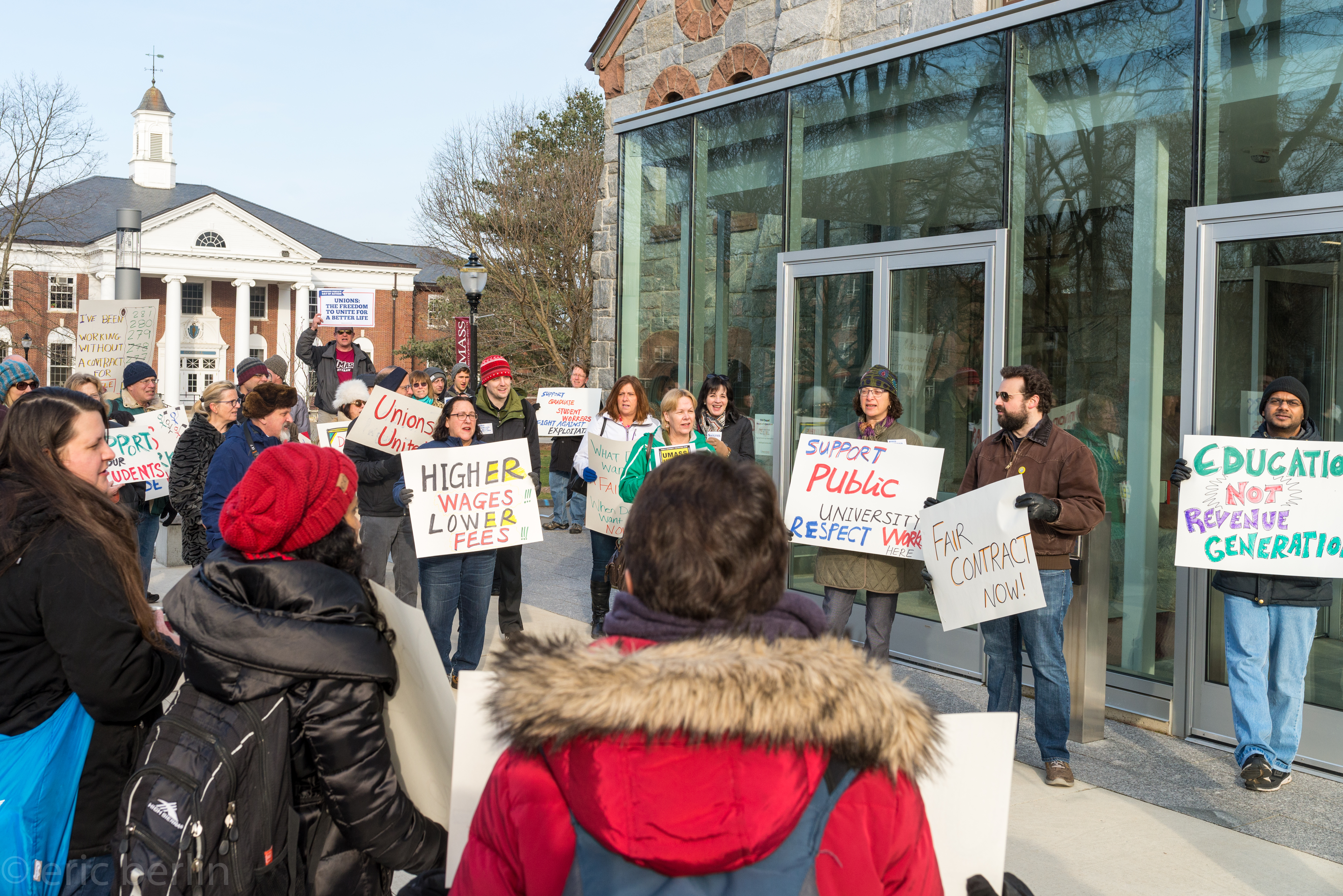 bdc809bde31 UMass unions take contract demands to trustees - Utter Buzz!