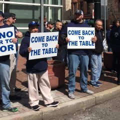 Springfield police union pickets Sarno following contract negotiation breakdowns