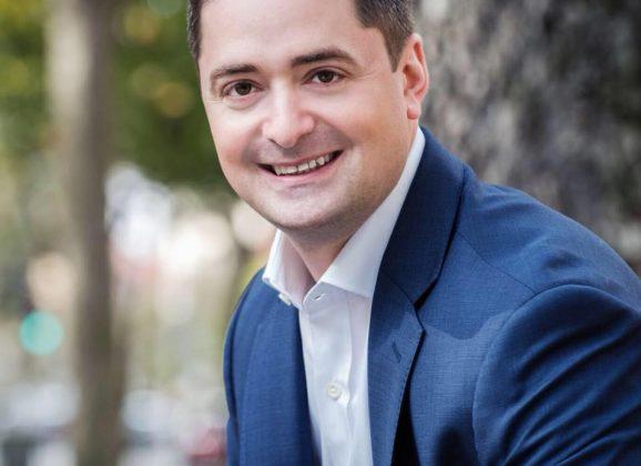 Fresh off Democratic endorsement, Secretary of State challenger Josh Zakim visits Northampton