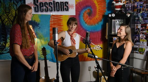Ona Canoa on the Valley Advocate Sessions Stage