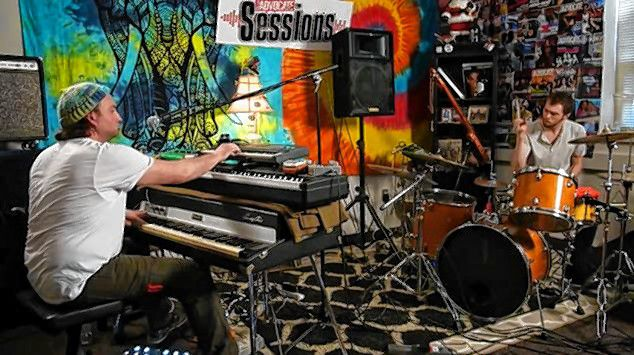 Fuzz Puddle appearing on Valley Advocate Sessions in 2018.