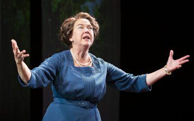 Stagestruck: Two Great Ladies on Noah's Ark